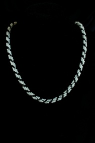 Black and White Spiral Chain
